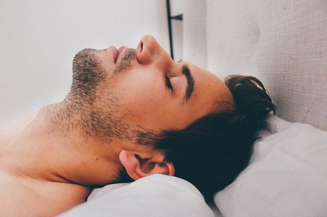 burun tıkalı uyumak ağız kokusuna neden olur